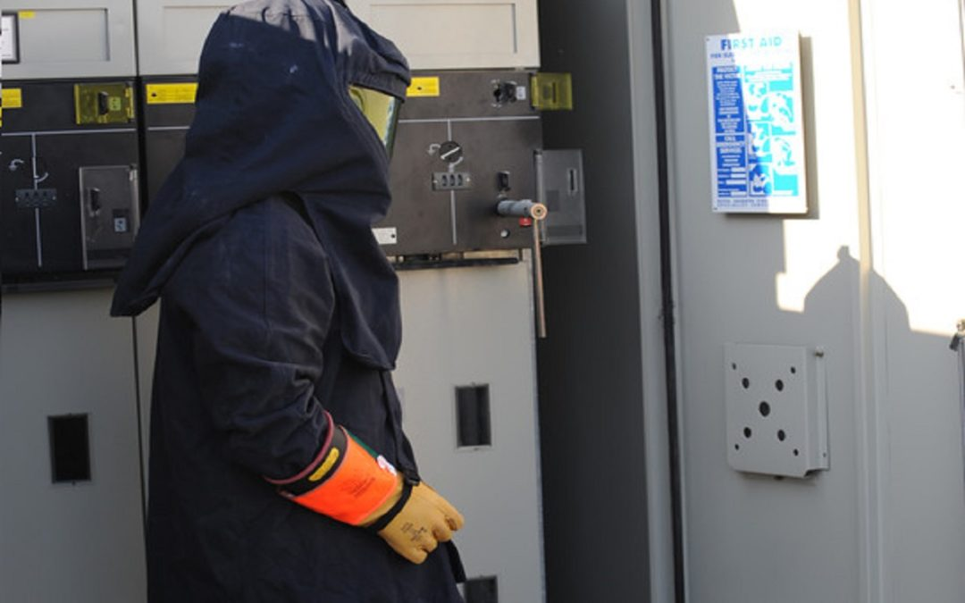 How Does An Arc Flash Suit Work?