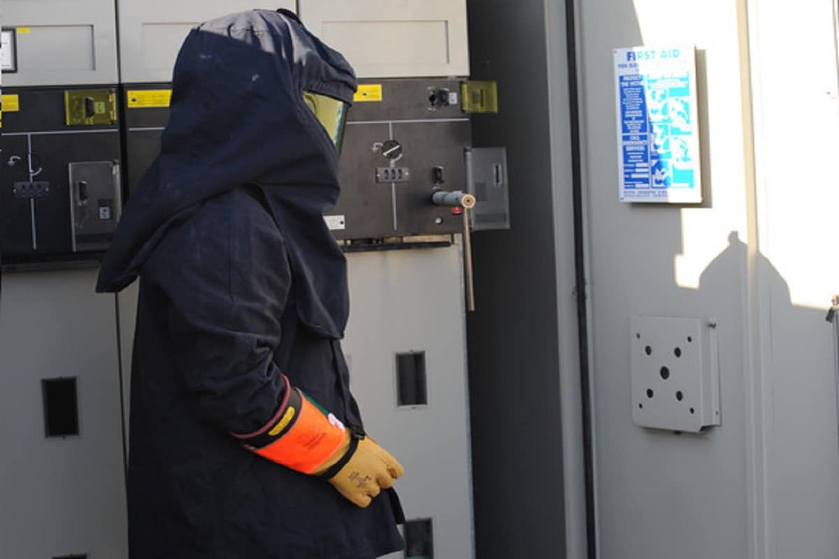 How Does An Arc Flash Suit Work